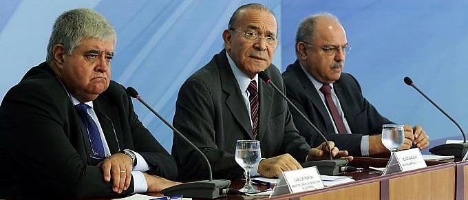 brasil-coletiva-ministros-28052018-001