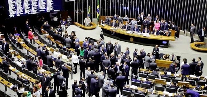 25102017-plenario-cheio-sessao-votacao-segunda-denuncia-michel-temer-foto-luis-macedo-camara-dos-deputados